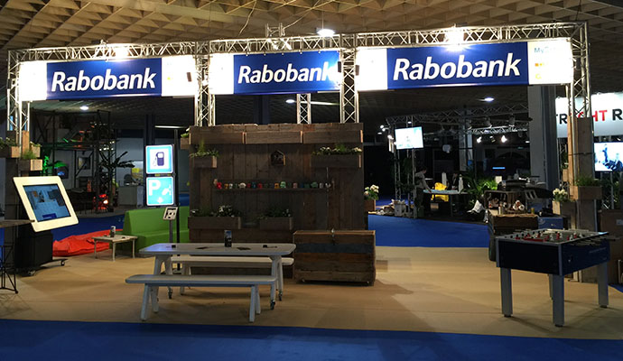 rabobank-restyle-standbouw-steigerhout-vintage-duurzaam-1b