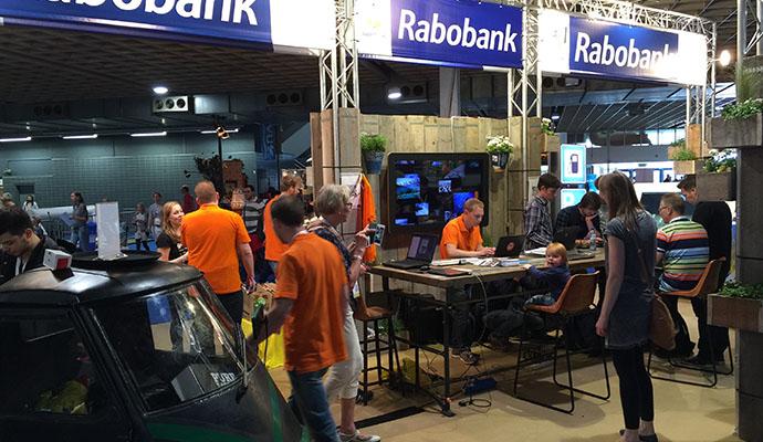 rabobank-restyle-standbouw-steigerhout-vintage-duurzaam-1s