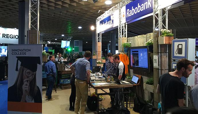 rabobank-restyle-standbouw-steigerhout-vintage-duurzaam-1vv