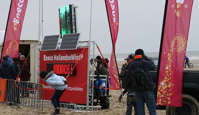 eneco-weerstation-duurzaam-billboard-greenboard-reclame-zonne-energie-windenergie-f