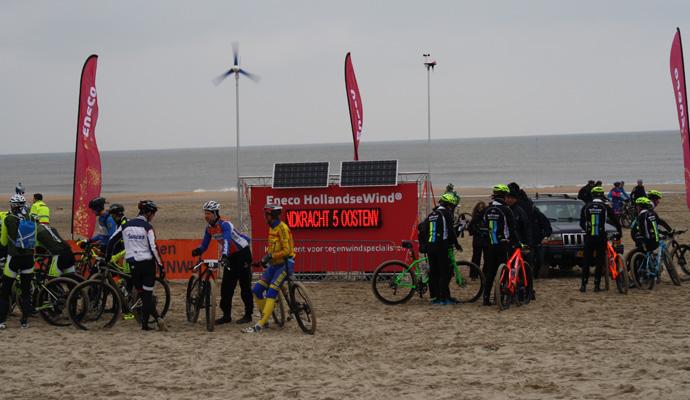 eneco-weerstation-duurzaam-billboard-greenboard-reclame-zonne-energie-windenergie-i