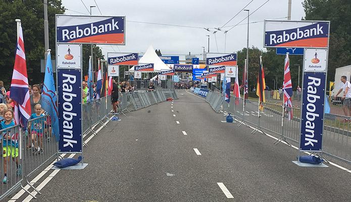 rabobank-salveranes-groot-finishborden-afstandsborden-rabobank-salverani-finish-standaards-b